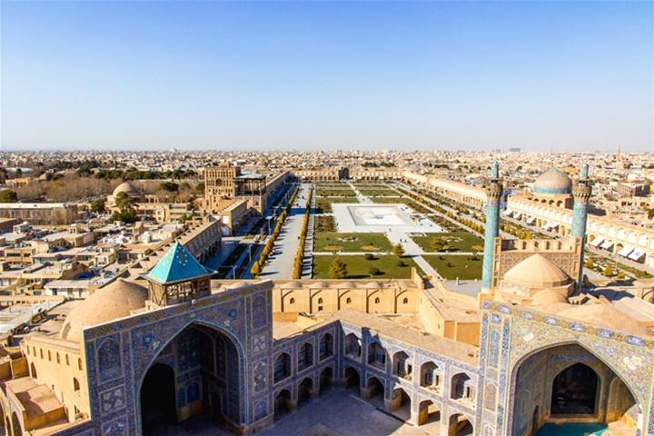 سفر به اصفهان نصف جهان را از دست ندهید