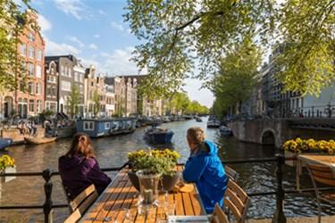 راهنمای سفر به آمستردام؛ شهر عطر و رنگ ها