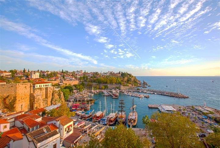 راهنمای سفر به آنتالیا؛ شهر تفریحات ساحلی