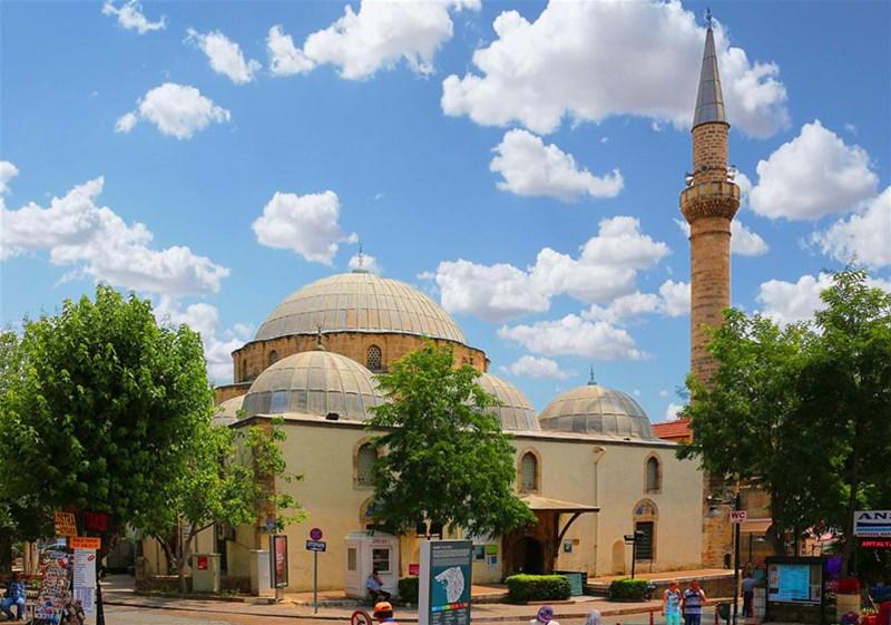 مسجد مراد پاشا یا Murat Pasha Mosque