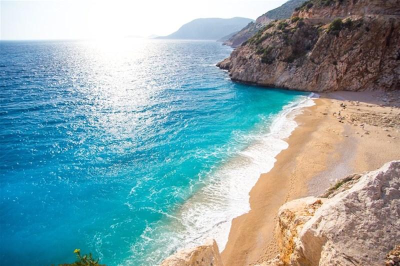 ساحل بلک یا Black beach