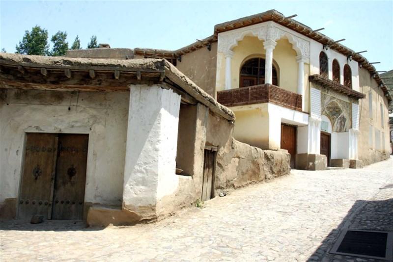 خانه موزه نیما یوشیج؛ نور