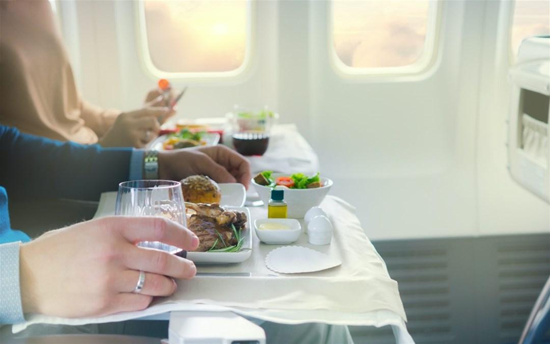 چه غذایی در هواپیما نباید خورد؟