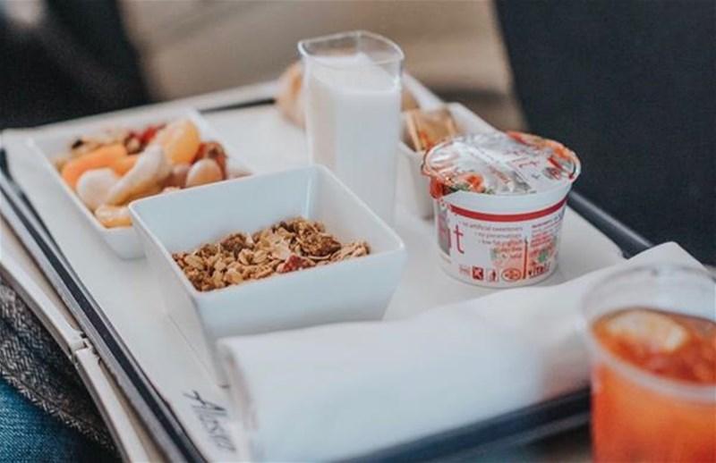 چه-غذایی-در-هواپیما-نباید-خورد
